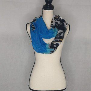 Lavello Infinity Blue Scarf NWT